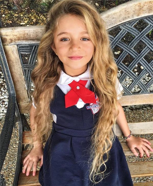 Kỳ lạ bé gái có trái tim như muốn nhảy khỏi lồng ngực mỗi khi cười-6
