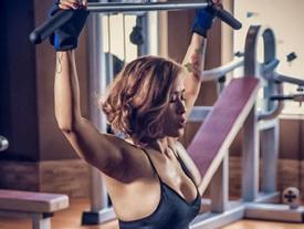 Mẹ một con sở hữu vóc dáng nóng bỏng nhờ tập gym