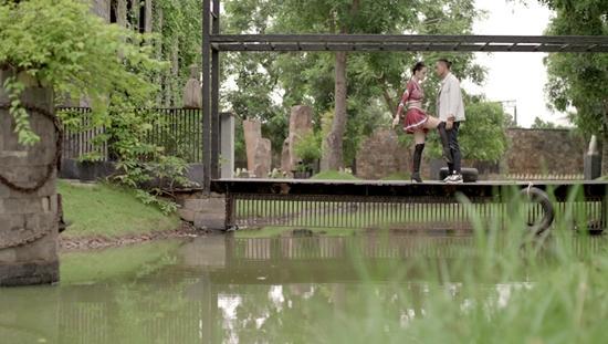 Hữu Vi và Rocker Nguyễn đồng loạt bị gái xinh cho ăn đòn-2