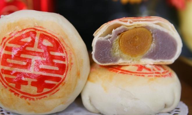 Bánh pía là một trong những đặc sản mang thương hiệu Sóc Trăng
