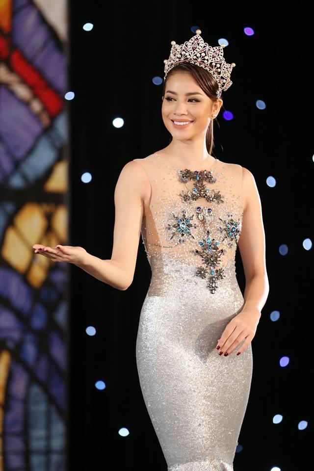 Dàn Hoa hậu - Á hậu thi nhau chiếm spotlight sao mặc đẹp trên thảm đỏ tuần này-6