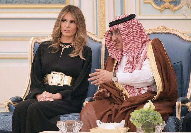 6 bộ cánh đẹp không thể chê của Melania Trump nhưng vẫn bị dân Mỹ chỉ trích tơi bời-4