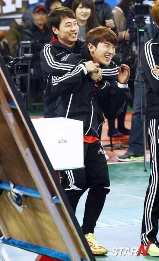 Sao Hàn 21/9: Song Joong Ki đi đánh golf giảm căng thẳng trước khi trở thành chú rể-10