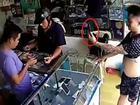 Thanh niên cầm iPhone bỏ chạy khi hỏi mua điện thoại