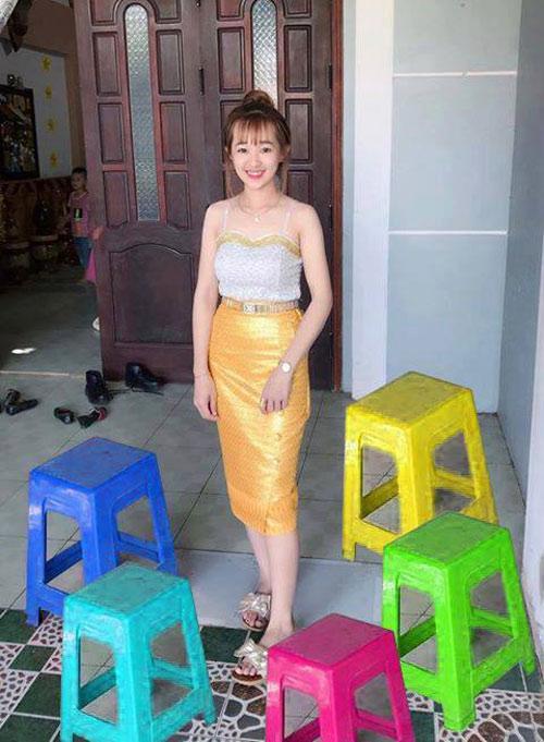 Cười ngất với cái kết hot girl lên mạng nhờ các thánh photoshop xóa chiếc ghế đỏ-11