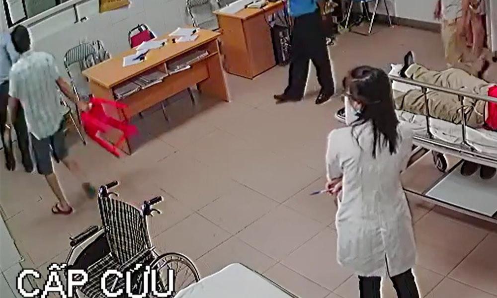 Nữ bác sĩ bị đánh: Xử lý chủ tịch phường cầm ghế-1