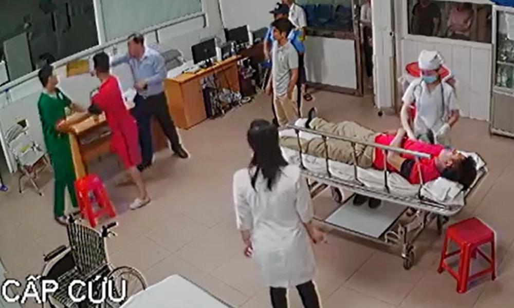 Nữ bác sĩ bị đánh: Xử lý chủ tịch phường cầm ghế-2