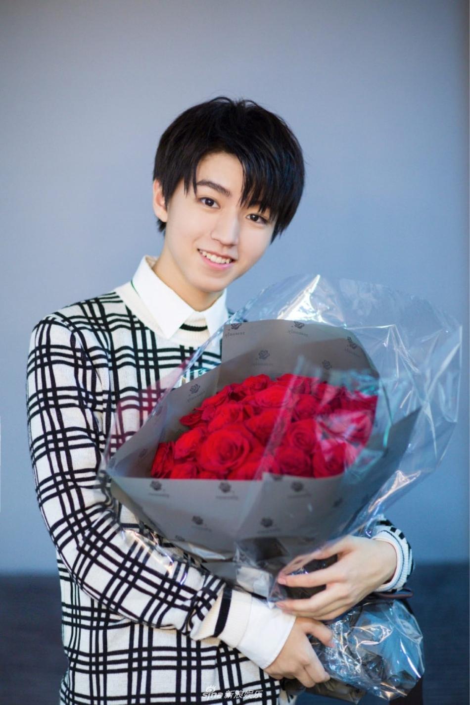 Người hâm mộ tiêu tiền tỷ mừng sinh nhật nam thần hot nhất Trung Quốc Vương Tuấn Khải tròn 18 tuổi-3