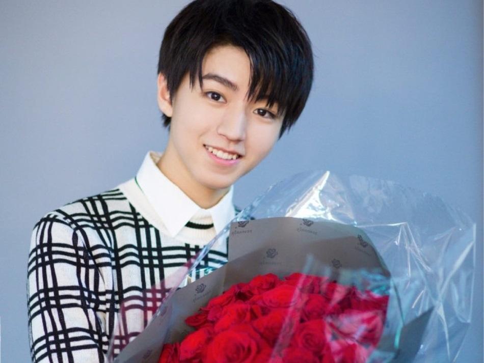 Người hâm mộ tiêu tiền tỷ mừng sinh nhật nam thần hot nhất Trung Quốc Vương Tuấn Khải tròn 18 tuổi