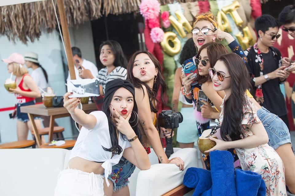 Hot girl - hot boy Việt 23/9: Chí Thành khiến cả trường quay khóc lặng khi hát về mẹ-2
