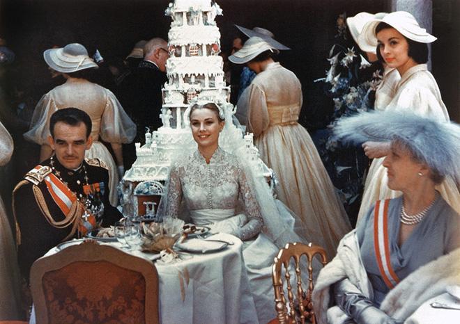 Toàn cảnh đám cưới thế kỷ vượt mặt ngày trọng đại của công nương Kate và hoàng tử William về độ xa hoa-2