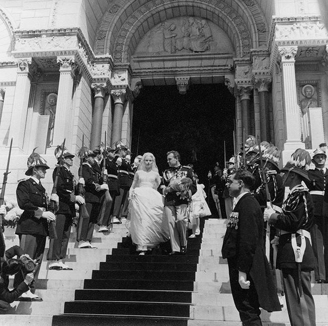 Toàn cảnh đám cưới thế kỷ vượt mặt ngày trọng đại của công nương Kate và hoàng tử William về độ xa hoa-6