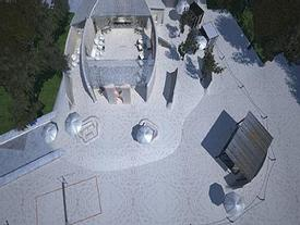 Ngỡ ngàng khách sạn xây toàn bằng cát ở Australia