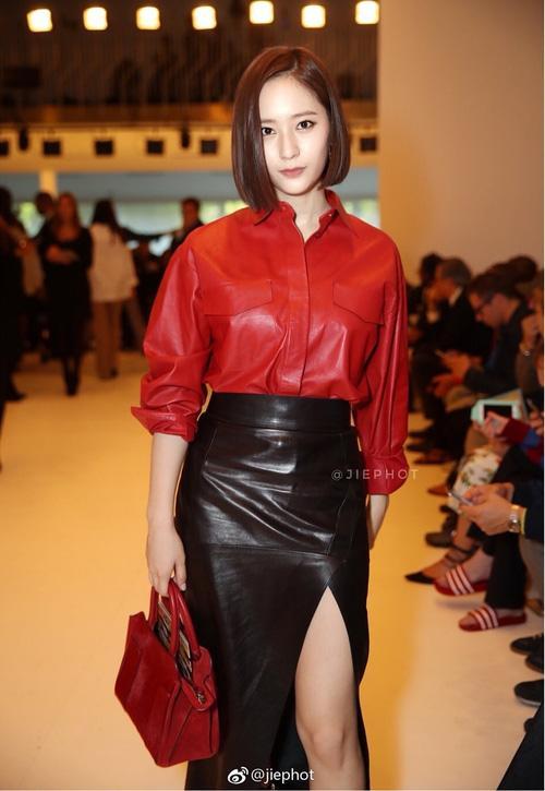 Quá bất ngờ: Krystal đột nhiên cắt phăng mái tóc dài, xuất hiện với tóc bob thời thượng tại Milan Fashion Week-1