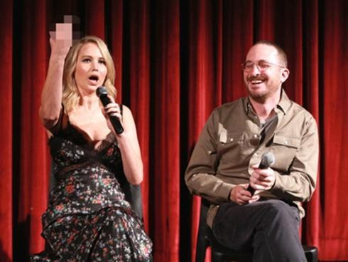 Jennifer Lawrence 'chửi thẳng' khán giả chê phim Mother! trên sóng truyền hình