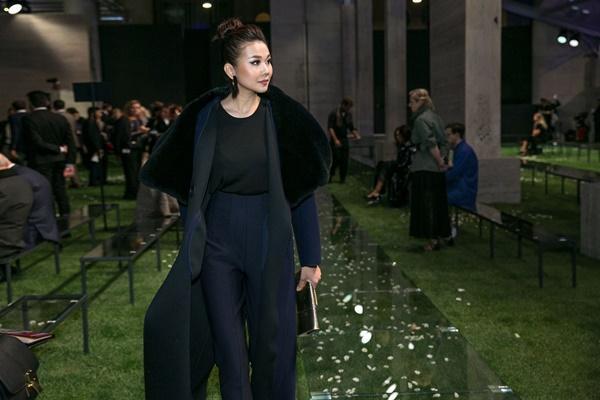 Không cần phô trương, Thanh Hằng chọn thời trang đẳng cấp ở Milan Fashion Week-5
