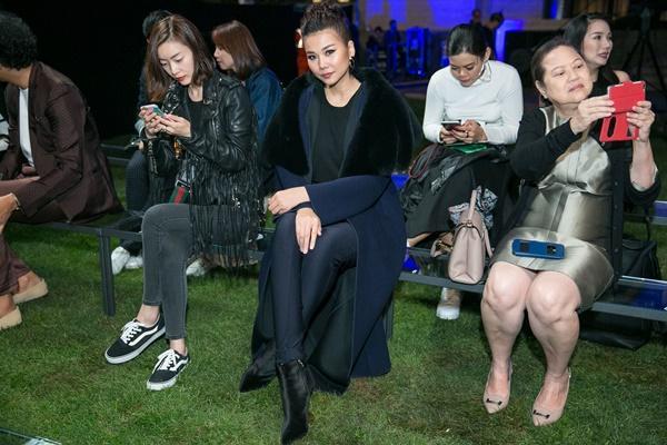 Không cần phô trương, Thanh Hằng chọn thời trang đẳng cấp ở Milan Fashion Week-8