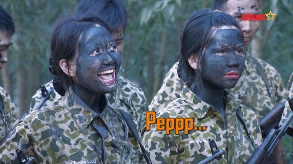 Nghe Hương Giang Idol hô hiệu lệnh trong quân đội, Mai Ngô cười như bị ai thọc lét-7