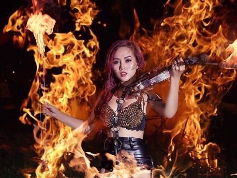 Diễn viên múa lửa: Nghề rộp miệng, rát da… mua vui cho khán giả