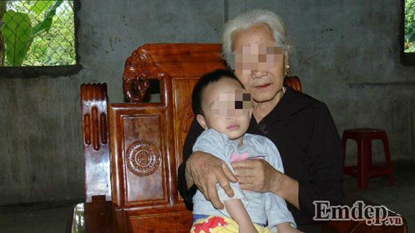 Cuộc sống mới của bé 6 tháng tuổi chết hụt dưới trận mưa dao điên cuồng của người chú rể-3