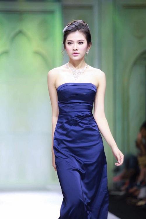 Chúng Huyền Thanh - đối thủ đáng gờm tại Hoa hậu Hoàn vũ Việt Nam 2017 nhờ lột xác ngoạn mục-9