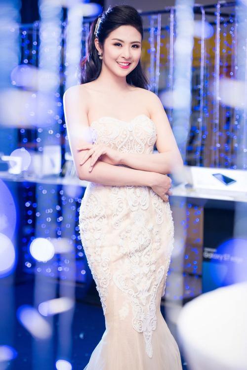 Bất ngờ rò rỉ ảnh cưới, Hoa hậu Ngọc Hân sẽ lên xe hoa trong thời gian tới?-2