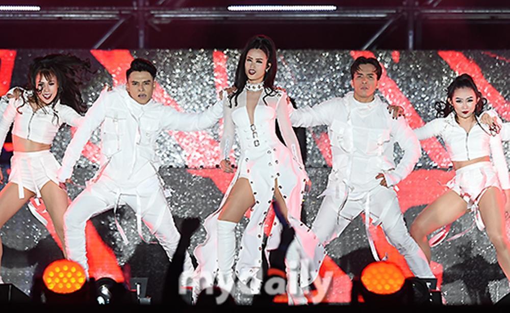 Truyền thông Hàn Quốc không ngớt lời khen ngợi Đông Nhi tại Asia Song Festival-12