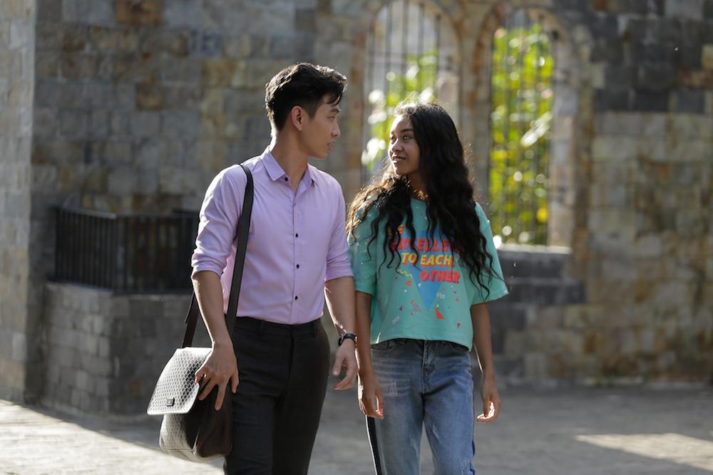 Nữ chính Glee Việt Nam Cindy V bị chê kém sắc và ít đất diễn hơn Angela Phương Trinh-6