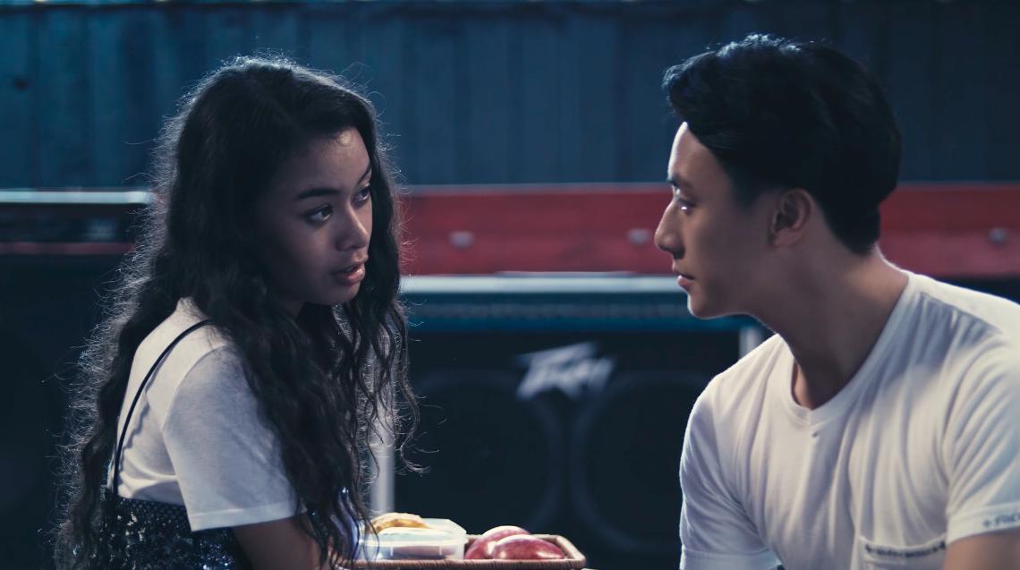 Nữ chính Glee Việt Nam Cindy V bị chê kém sắc và ít đất diễn hơn Angela Phương Trinh-9