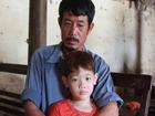 Hai cháu bé mồ côi ở Bắc Giang: 'Trời mưa, con chỉ lo bố mẹ ở trên trời bị ướt'