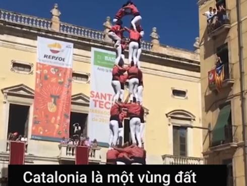 Cuộc thi xây 'tháp người' nguy hiểm ở Tây Ban Nha