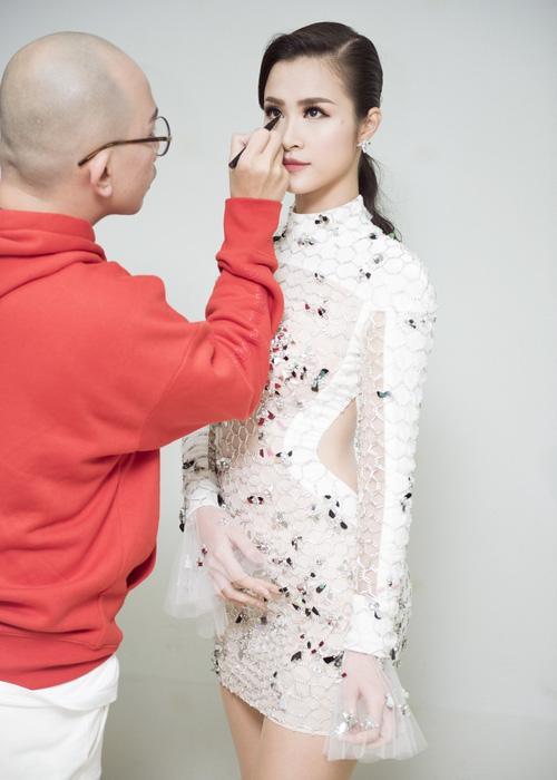 Bóc mác trang phục được khen ngợi của Đông Nhi tại Asia Song Festival 2017-3