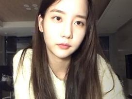 Sau scandal hút cần sa, Han Seo Hee livestream tuyên bố từng 'lên giường' với T.O.P Big Bang