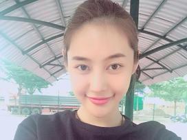 Tin sao Việt 25/9: Linh Chi thấy mình 'hiền quá nên hay bị thiệt thòi'