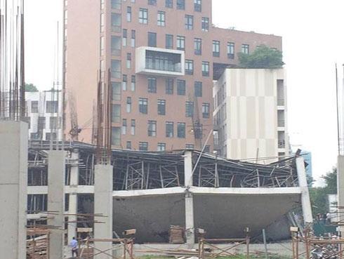 Sập trường mầm non Vườn Xanh ở Hà Nội: 'Tôi nghe tiếng rắc rắc rồi đổ sập rất nhanh'