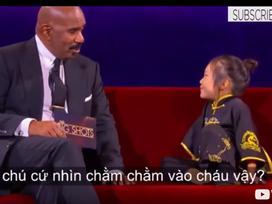 MC Steve Harvey 'câm nín' trước loạt câu hỏi của bé gái 5 tuổi