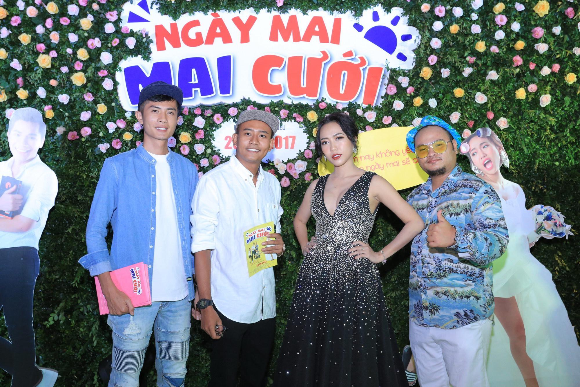 Gái ế Diệu Nhi khoe vòng một gợi cảm tại buổi ra mắt phim Ngày mai Mai cưới-8