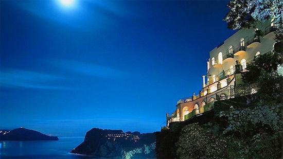 Những khách sạn tuyệt đẹp nằm ở vị trí hiểm hóc nhất thế giới-1