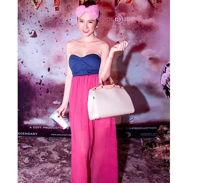 Những bộ váy không muốn nhìn lại lần 2 của Hồ Ngọc Hà, Kỳ Duyên, Angela Phương Trinh-6