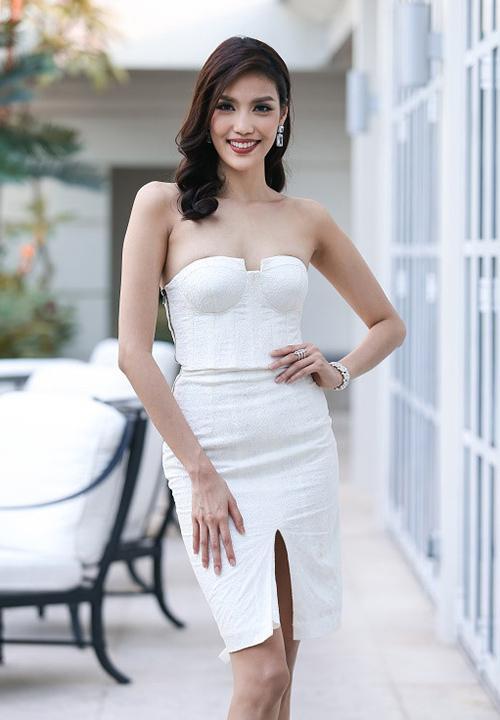 Vòng 1 như Hoa hậu Thu Thảo, Mỹ Linh thì nên tránh thật xa kiểu váy này!-5