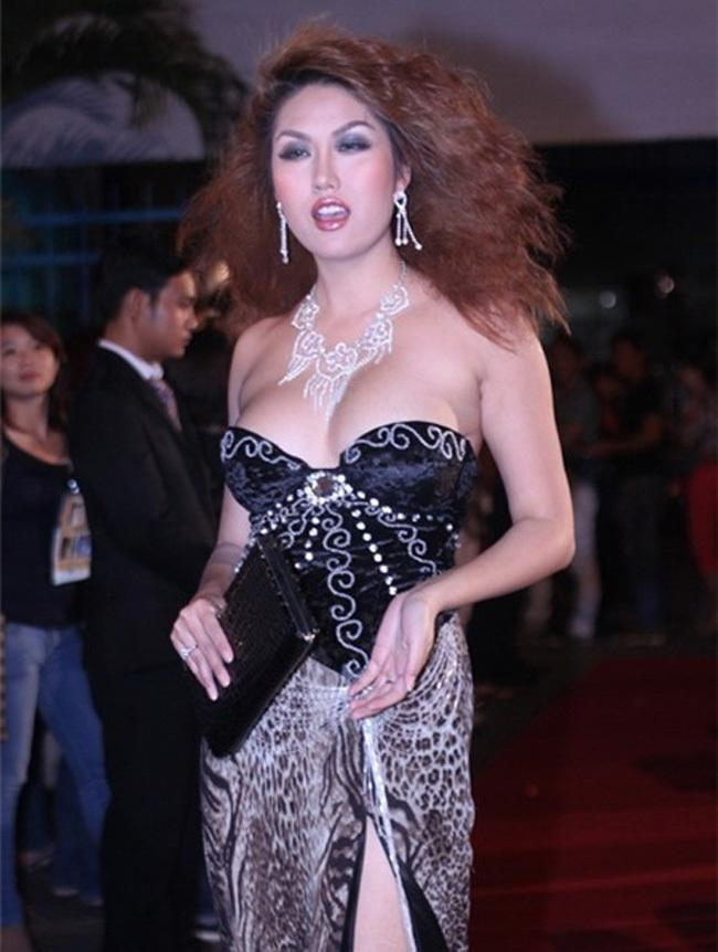 Vòng 1 như Hoa hậu Thu Thảo, Mỹ Linh thì nên tránh thật xa kiểu váy này!-9