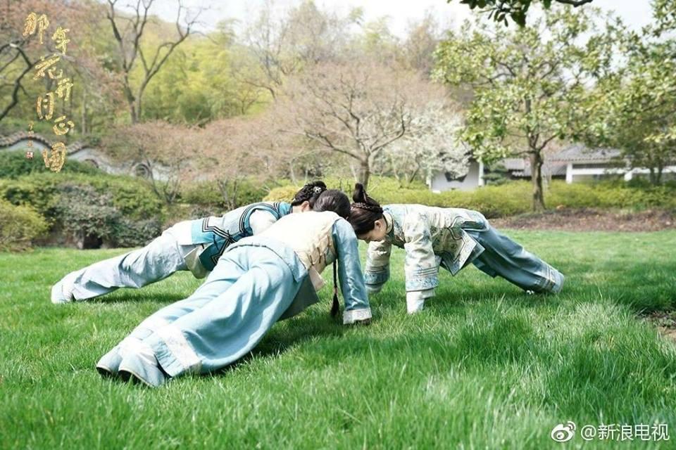 Loạt ảnh thiếu phu nhân Tôn Lệ nhắng nhít trong hậu trường Năm ấy hoa nở trăng vừa tròn-1