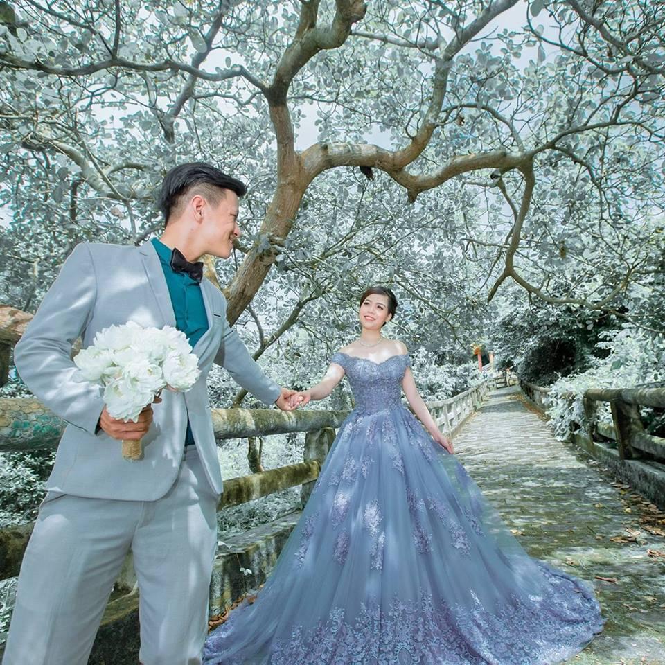 Sốt xình xịch với clip cô dâu cùng hội bạn thân quẩy quên lối trong đám cưới-2