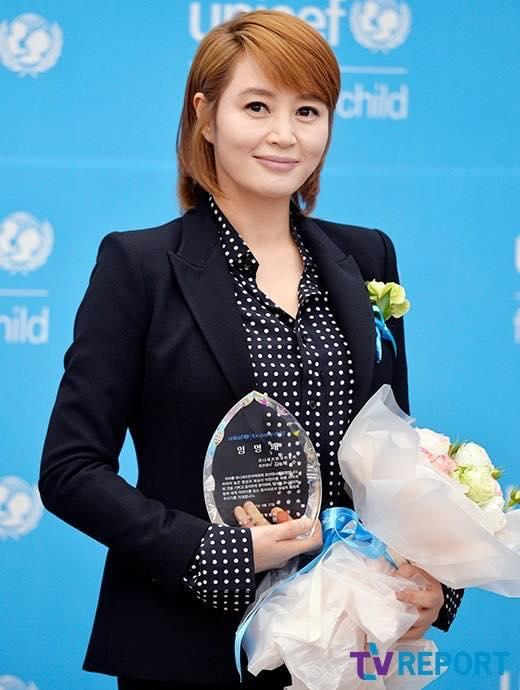 Sao Hàn 28/9: Cụ giáo Do Min Joon Kim Soo Hyun nhập ngũ vào cuối tháng 10-3