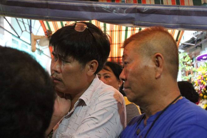 Sao Việt đau xót đến viếng nghệ sĩ Khánh Nam, con gái nuôi khóc nức nở thương cha-4