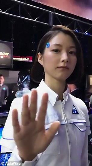 Nhật Bản giới thiệu robot xinh đẹp tuyệt trần-1