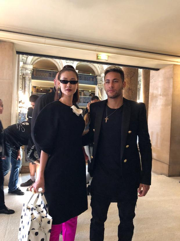 Nghi vấn Maya khoe ảnh dự show Balmain tại Paris Fashion Week, nhưng chỉ là đến chụp ảnh rồi đi về-9