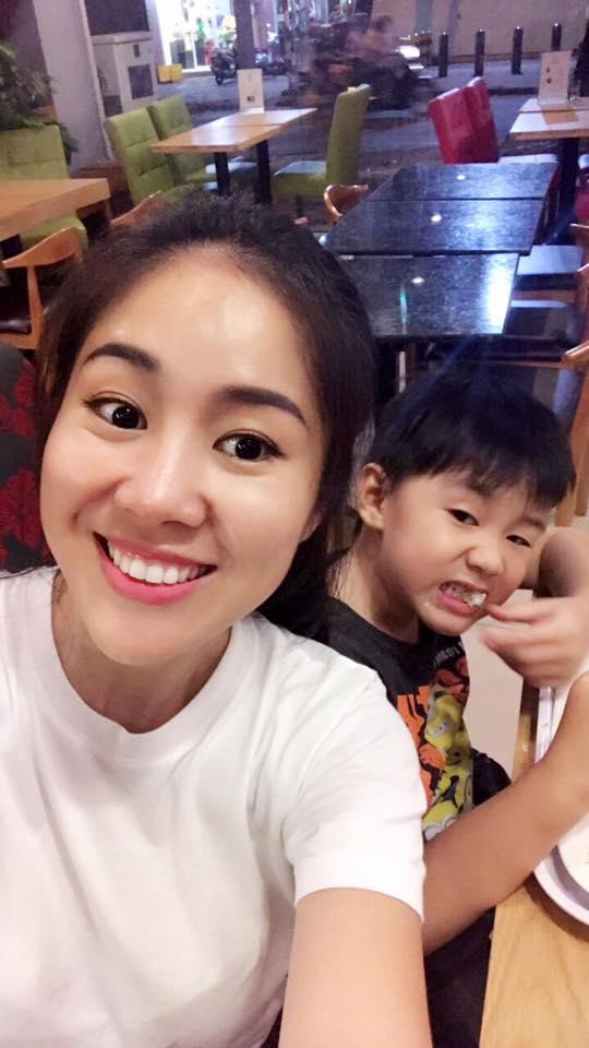 Tin sao Việt 29/9: Lê Thúy không có ấn tượng gì với ông xã trong buổi gặp đầu tiên vì con trai mà quá điệu-5