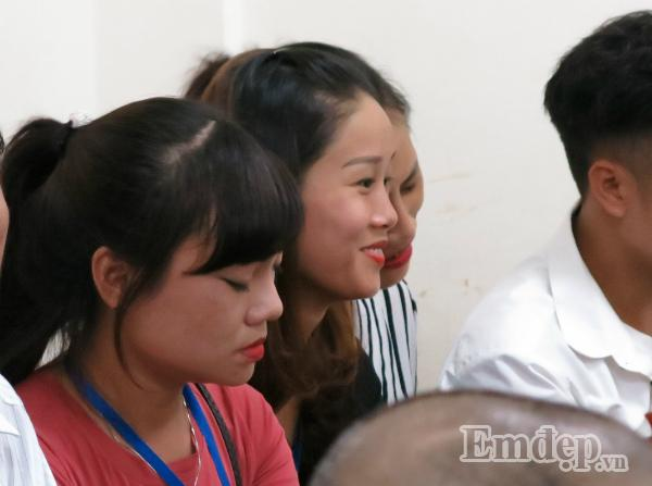 Vụ Cao Mạnh Hùng dâm ô bé gái ở Hoàng Mai: chửi bới loạn xạ, mẹ già bật khóc, bị cáo lĩnh 24 tháng tù-2