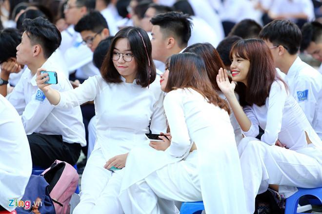 Trường học Sài Gòn quy định học sinh nam nữ không được ngồi gần nhau-1